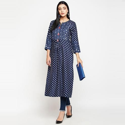 Darzaania - Navy Blue Colored Casual Wear Floral Printed Rayon Kurti