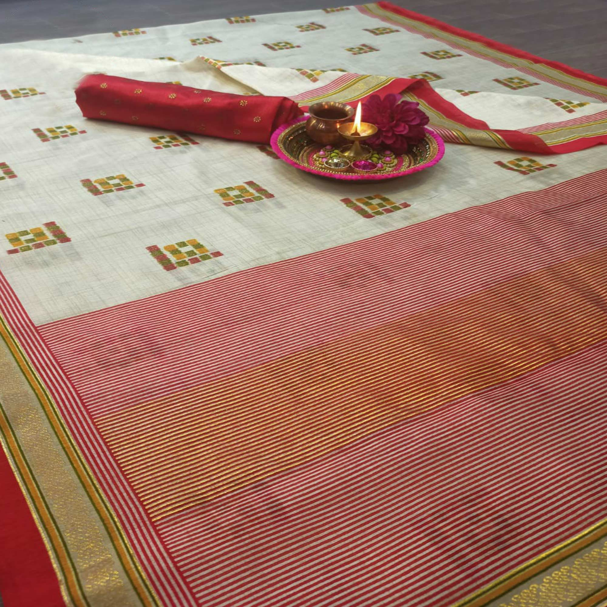 Adorable Cream-Red Colored Festive Wear Geometric Foil Print Patola Silk Saree