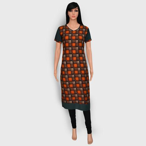 Refreshing Orange Colored Casual Wear Printed Rayon Kurti