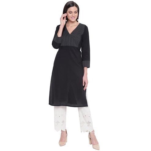 Fabnest - Black Colored Casual Wear Cotton Kurti