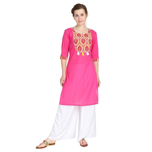Beautiful Pink Colored Casual Wear Printed Cotton Kurti