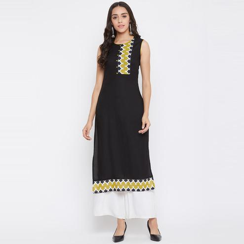 Winered - Black Colored Casual Wear Rayon Kurti