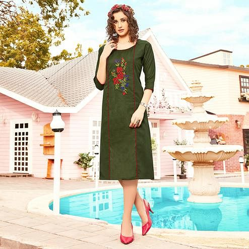 Elegant Green Colored Casual Wear Floral Embroidered Swiss Cotton Slub Kurti
