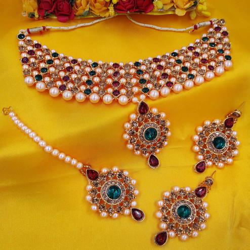Zaffre Collections - Golden And Red Crystal And Pearl Choker Set With Maang Tikka For Women And Girls
