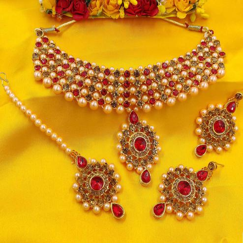 Zaffre Collections - Golden And White Crystal And Pearl Choker Set With Maang Tikka For Women And Girls