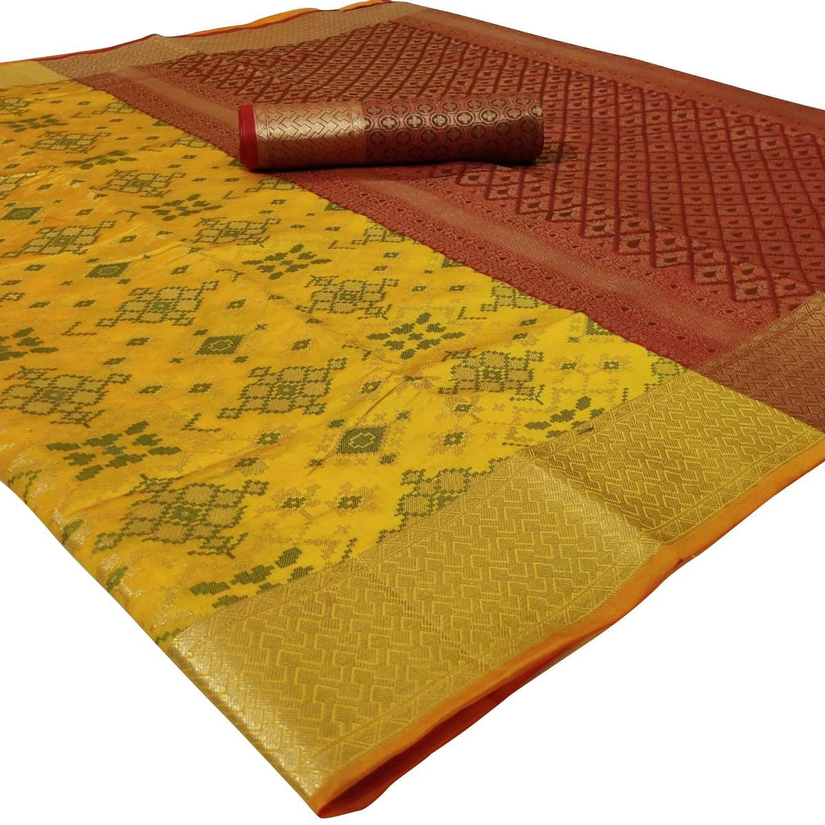Trendy Yellow Colored Festive Wear Woven Silk Saree