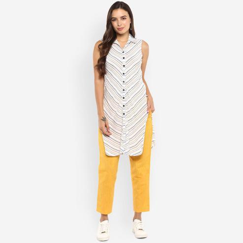 Ayaany - White Colored Casual Wear Striped Printed Cotton Kurti