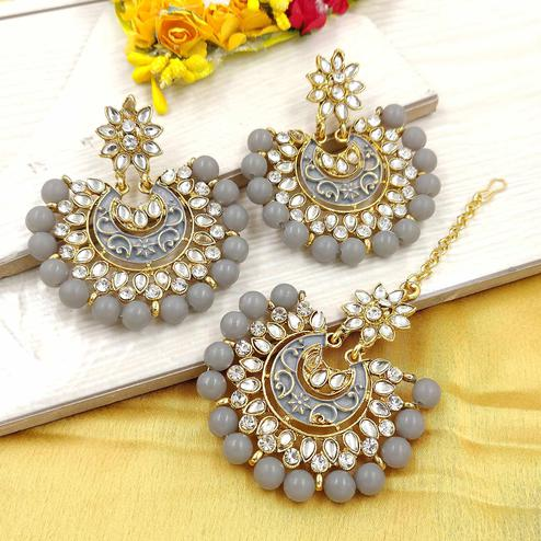 Zaffre Collections - Latest Round Grey Maang Tikka with Earrings Set for Women and Girls