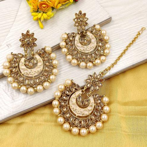 Zaffre Collections - Latest Round Gold Maang Tikka with Earrings Set for Women and Girls