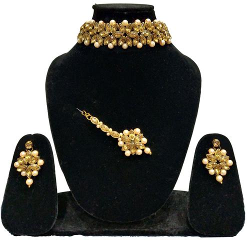 Zaffre Collections - Trendy Golden Crystal and Pearl Choker with Earrings and Maang Tikka for Women and Girls
