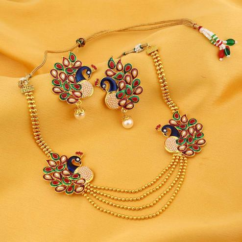 Zaffre Collections - Gleaming Pearl Gold Plated Wedding Jewellery Kundan Peacock Meenakari Multi-String Necklace Set for Women