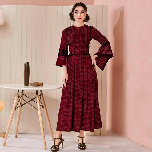Alluring Maroon Colored Casual Wear Checks Printed Cotton Long Kurti