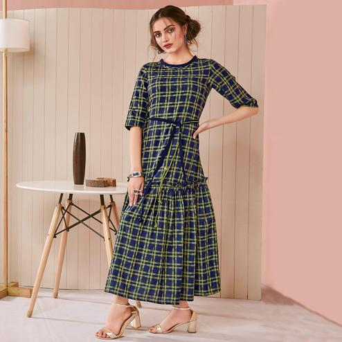 Flaunt Green Colored Casual Wear Checks Printed Cotton Long Kurti
