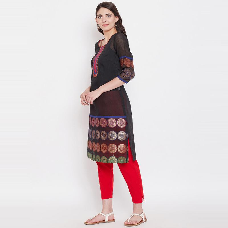 Aask - Black Colored Casual Wear Embroidered Cotton Kurti