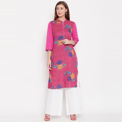 Aask - Pink Colored Casual Wear Floral Printed Crepe Kurti