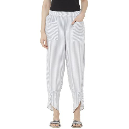 Mystere Paris - White Grey Colored Classic Striped Rayon Lounge Pant