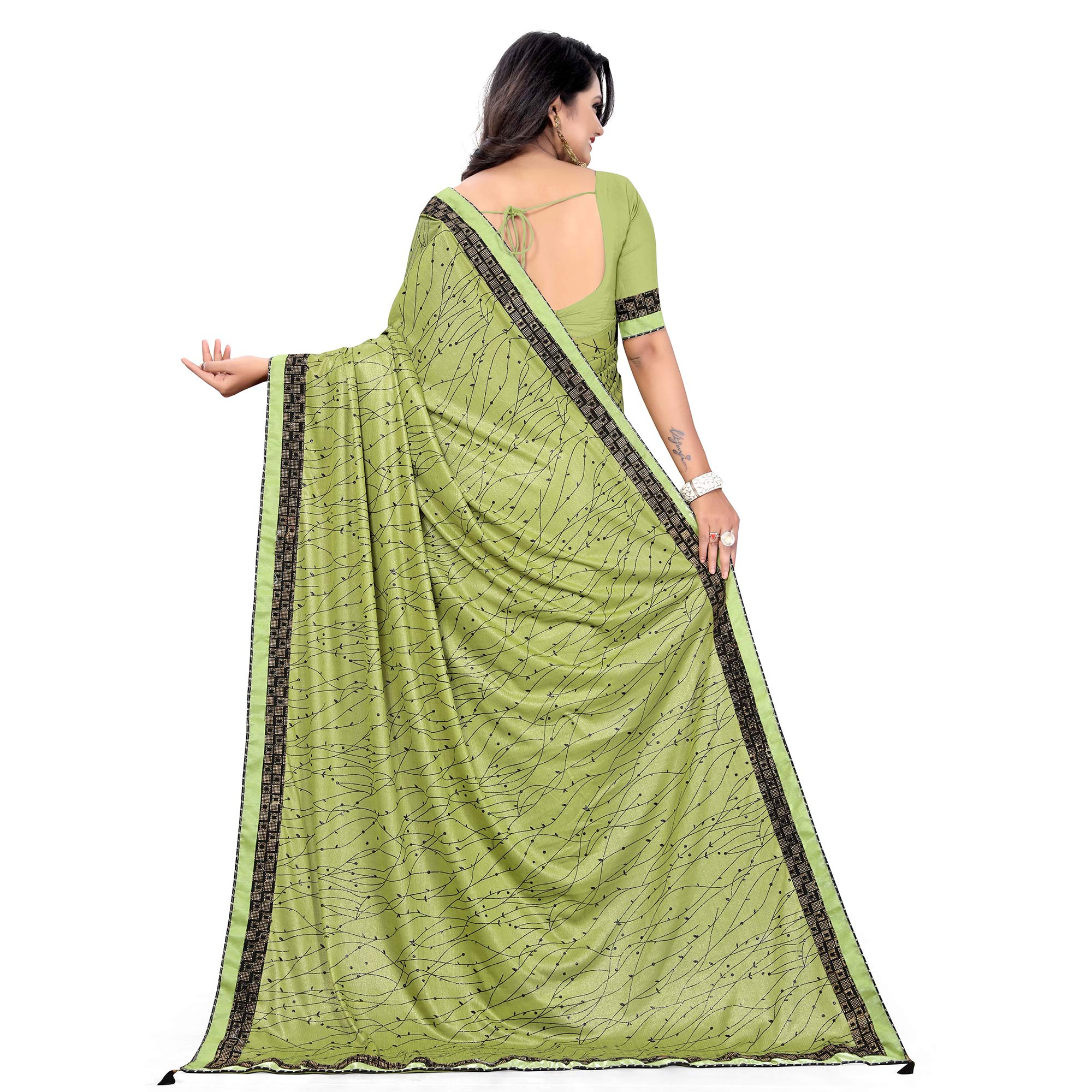 Opulent Green Colored Party Wear Printed Lycra Blend Saree