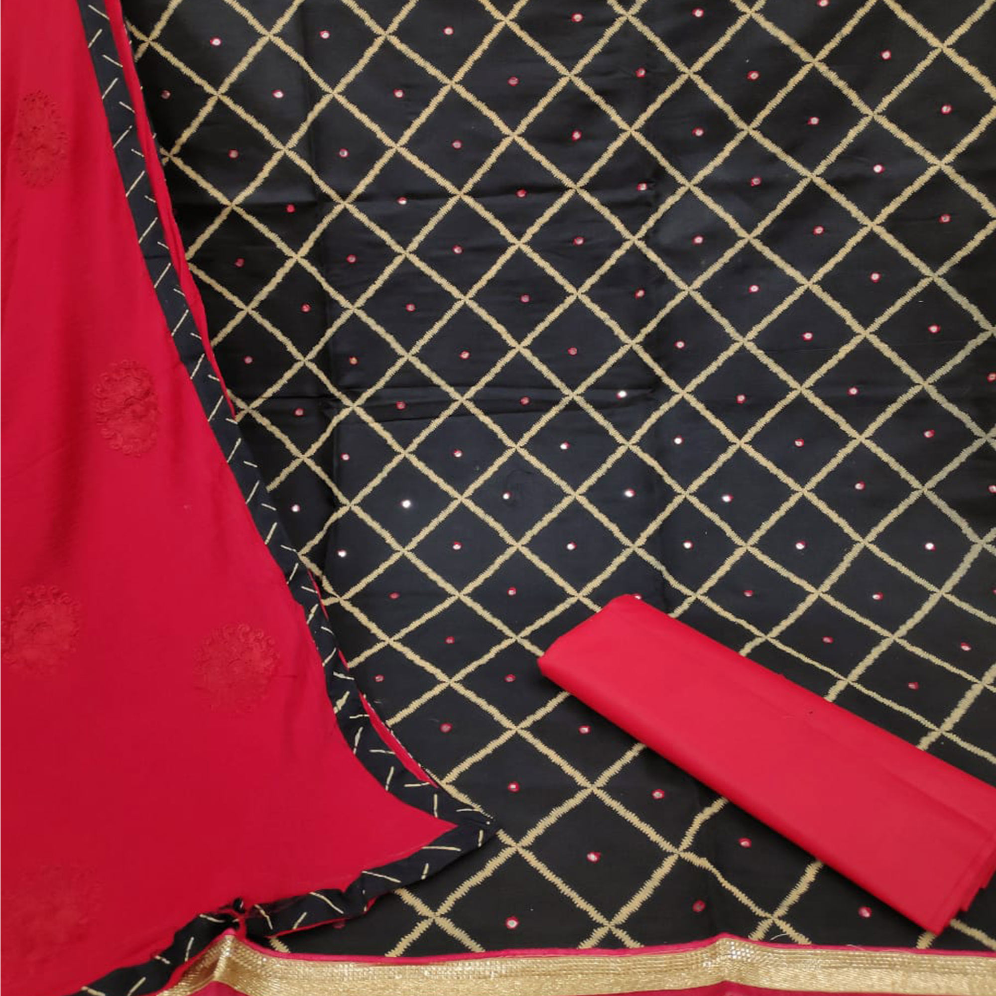 Adorning Black-Red Colored Party Wear Printed Slub Cotton Dress Material