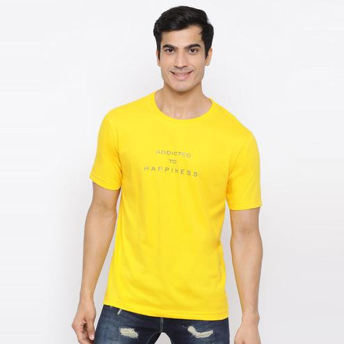 YOLOCLAN - Yellow Colored Men Addicted To Happiness Cotton T-shirt