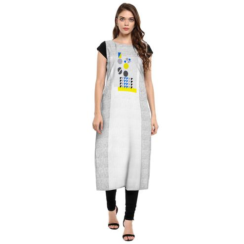 Ahalyaa - Women's White-Grey Colored Casual Wear Digital Printed Crepe Kurti
