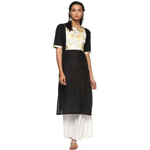 Ahalyaa - Women's Black Colored Casual Wear Foil Printed Cotton Kurti