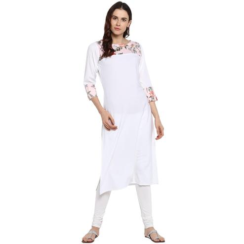 Ahalyaa - Women's White Colored Casual Wear Digital Printed Crepe Kurti