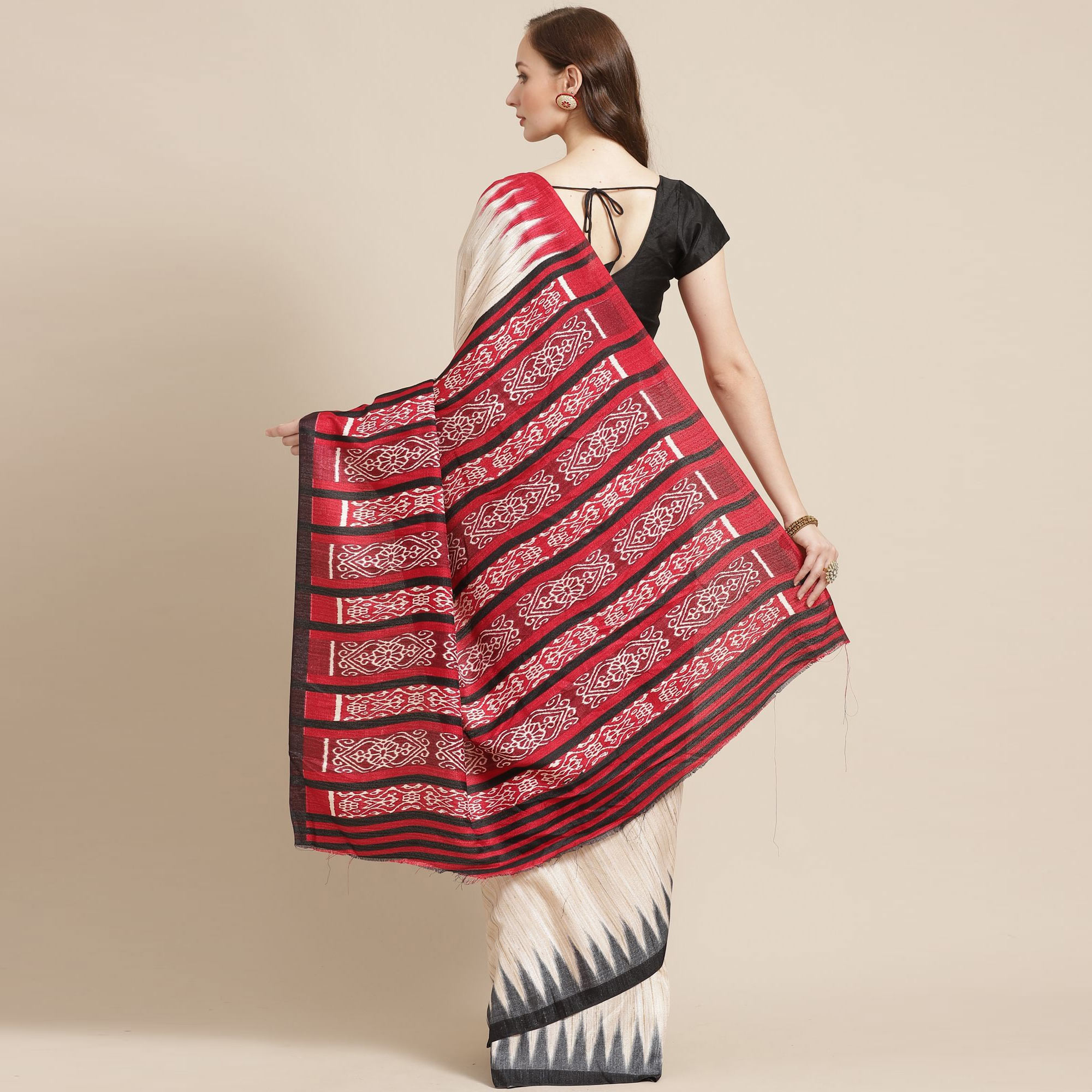 Attractive Beige Colored Casual Wear Printed Silk Blend Saree