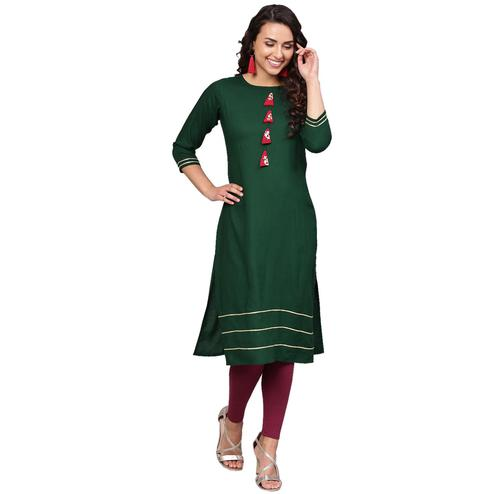 Ahalyaa - Dark Green Colored Casual Solid Rayon-Georgette Kurti