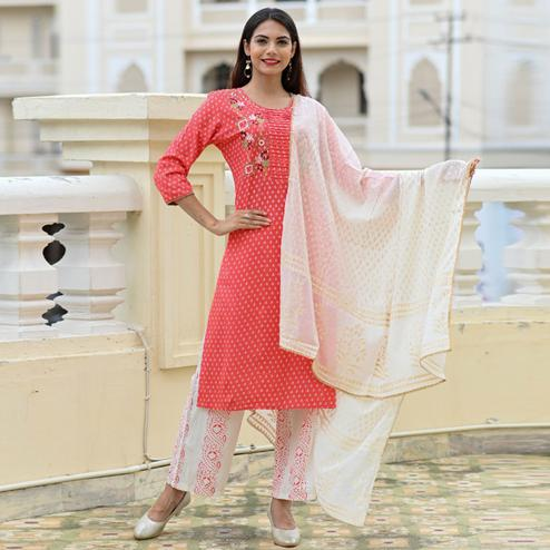 Flaunt Peach Colored Casual Wear Printed Rayon Kurti-Palazzo Set With Dupatta