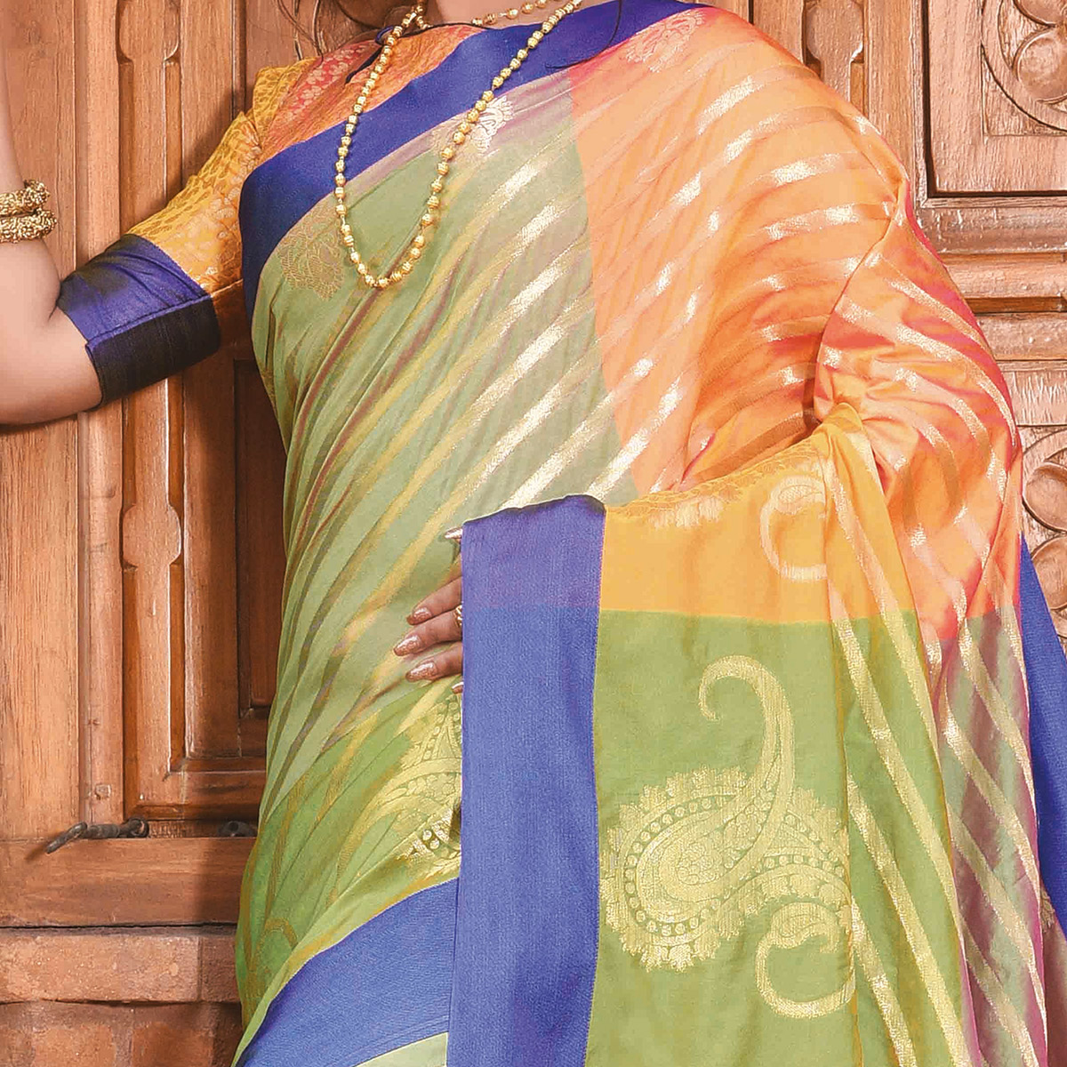 Refreshing Green Colored Festive Wear Woven Handloom Silk Saree
