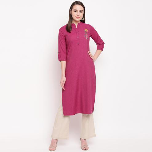 Vbuyz Women's - Pink Colored Casual Embellished/Solid Rayon Straight Kurti