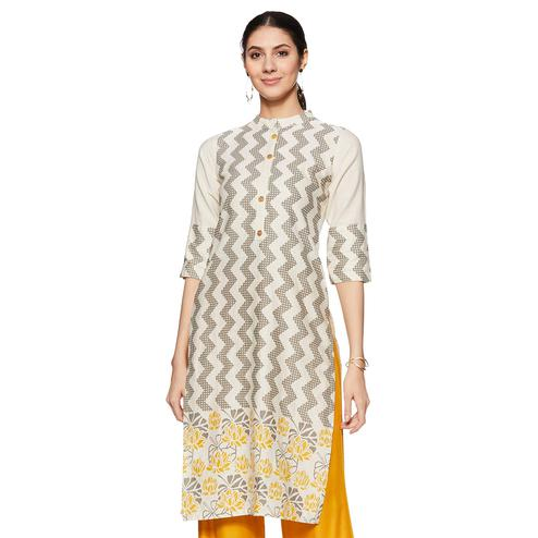 Blooming Off White Colored Casual Wear Printed Straight Cotton Flex Kurti