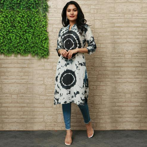 Pooja Fashion - Dark Green Colored Casual Wear Printed Knee Length Cotton Kurti