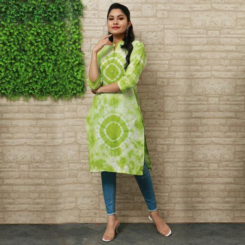 Pooja Fashion - Green Colored Casual Wear Printed Knee Length Cotton Kurti