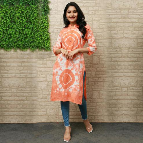 Pooja Fashion - Pink Colored Casual Wear Printed Knee Length Cotton Kurti