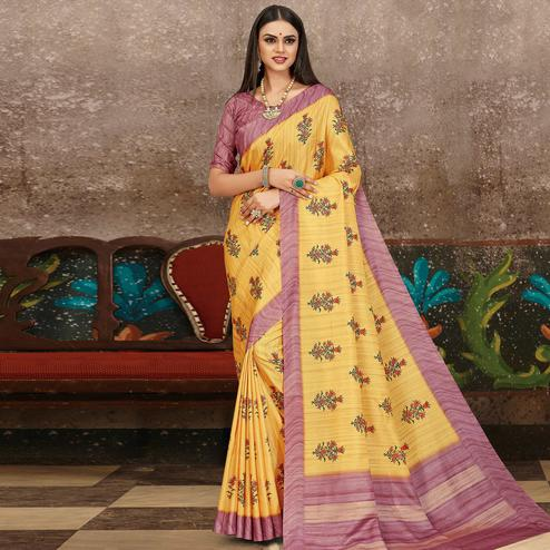 Trendy Yellow Colored Partywear Floral Printed Silk Saree