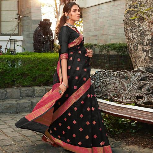 Delightful Black Colored Festive Wear Woven Cotton Jacquard Saree