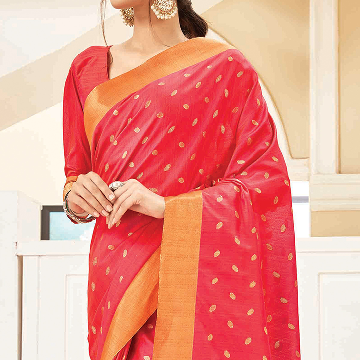 Glorious Pink Colored Festive Wear Woven Handloom Silk Saree With Tassels