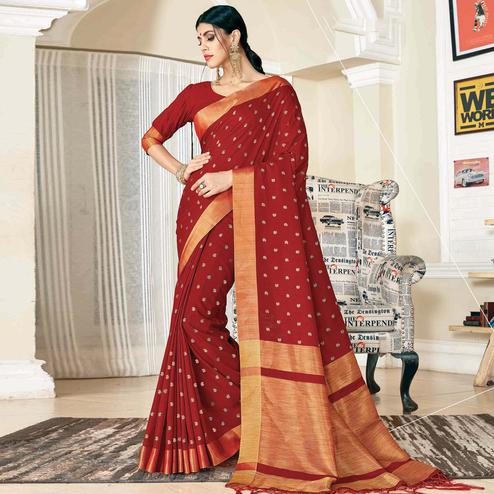 Graceful Maroon Colored Festive Wear Woven Handloom Silk Saree With Tassels