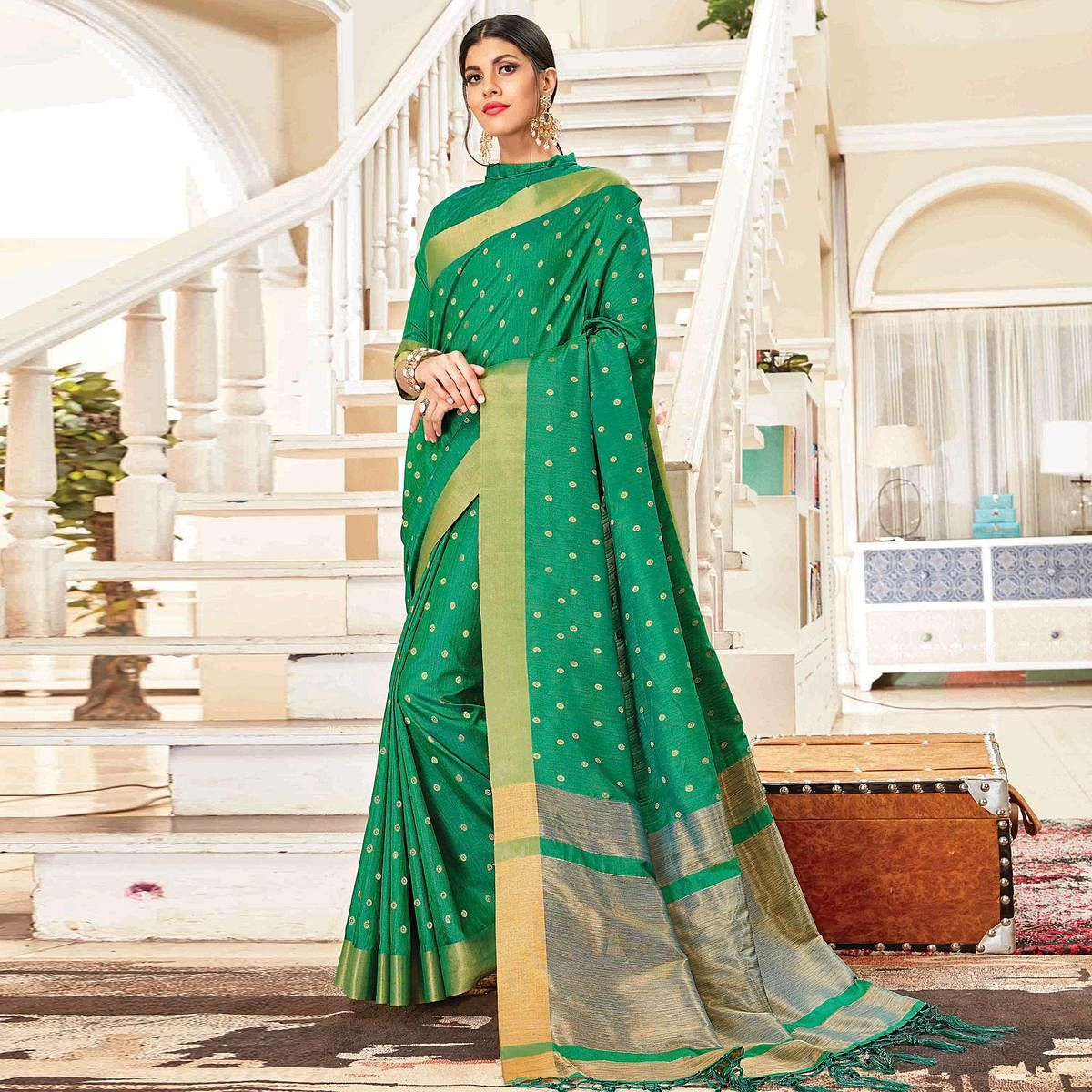 Blooming Green Colored Festive Wear Woven Handloom Silk Saree With Tassels