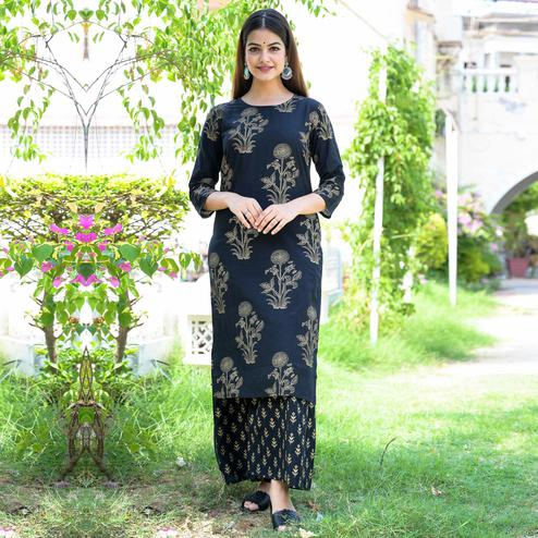 Zyla - Black Colored Casual Printed Rayon Kurti Sharara Set