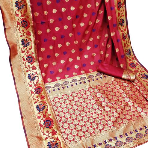 Preferable Red Colored Festive Wear Woven Litchi Jacquard Silk Saree