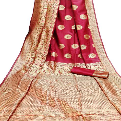 Appealing Red Colored Festive Wear Woven Litchi Jacquard Silk Saree