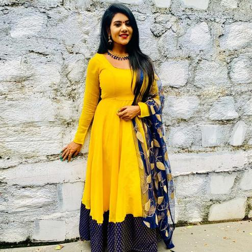 Jazzy Yellow Colored Partywear Georgette - Jacquard Gown