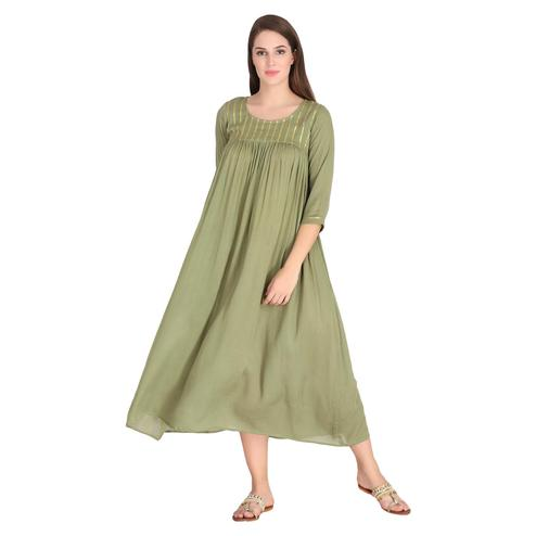 Unique Olive Green Colored Casual Wear Solid A-Line Cotton-Crepe Kurti