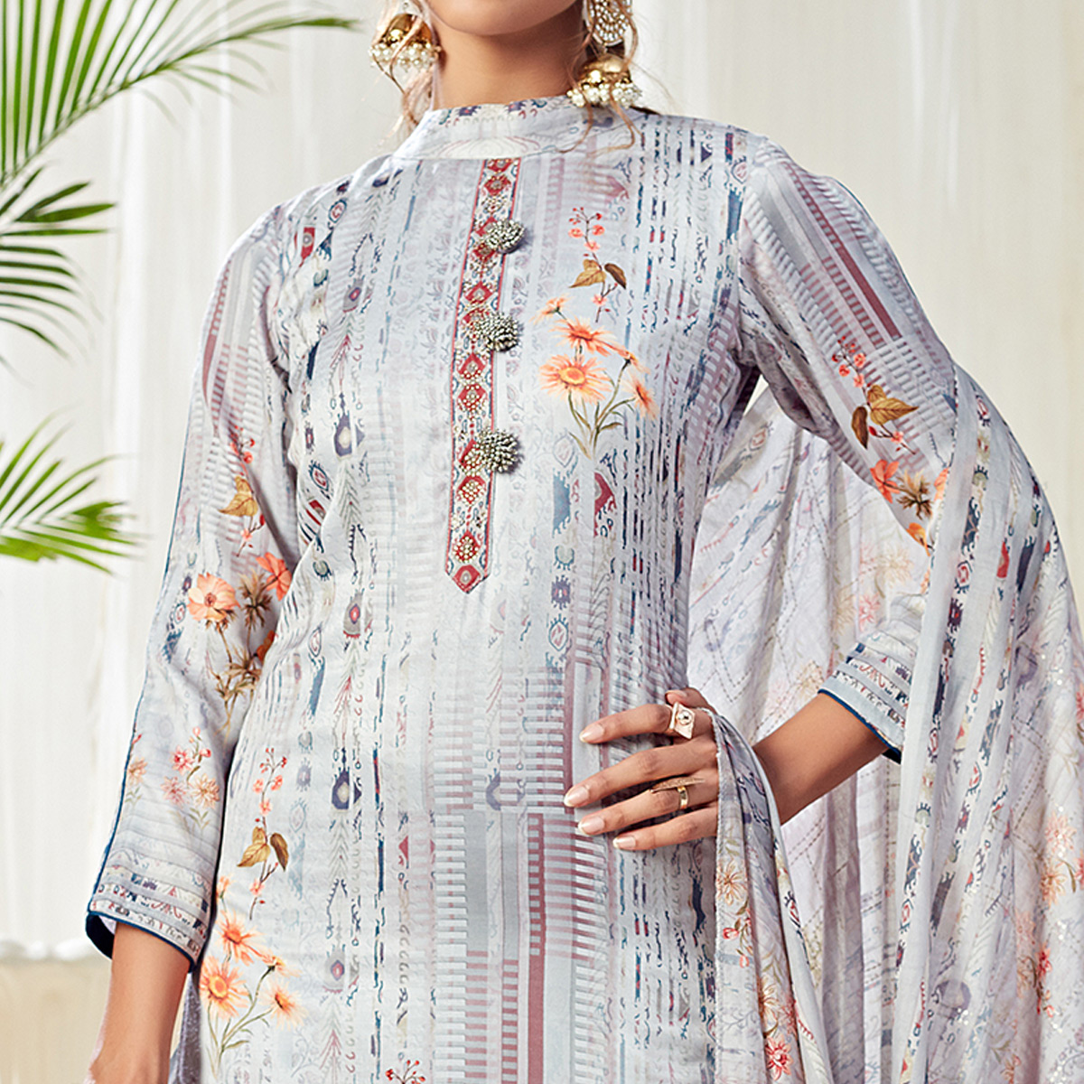 Sensational Lavendar Colored Partywear Digital Printed Cotton Suit