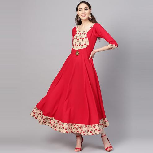 Myshka - Women's Red Solid 3/4 Sleeve Round Neck Casual Cotton Kurti