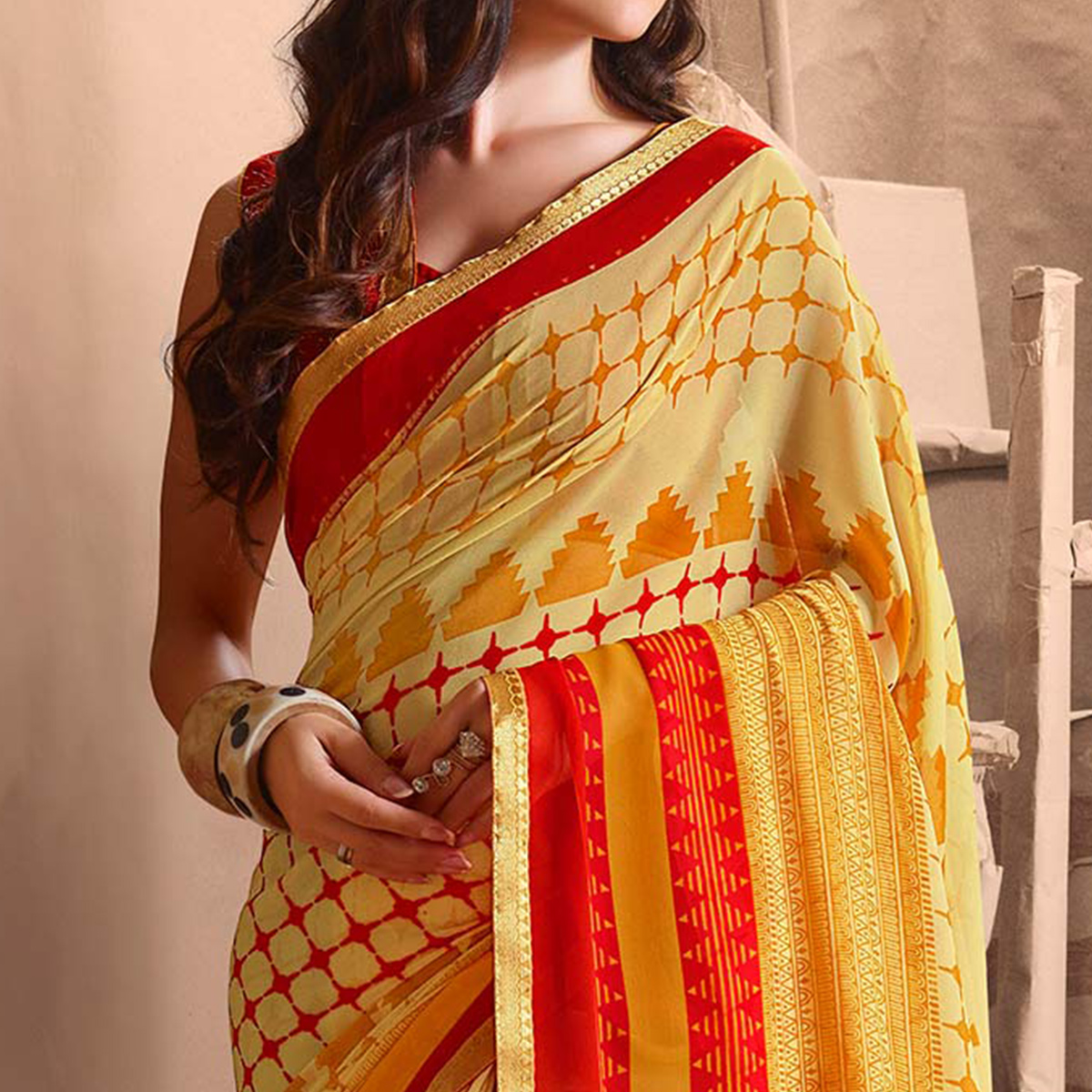 Dazzling Cream Designer Digital Printed Georgette Saree