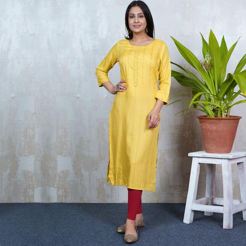 Aariya Designs - Yellow Colored Casual Wear Geometric Printed Rayon Kurti