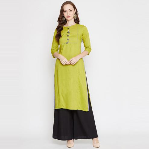 Winered - Green Colored Casual Wear Straight Rayon Kurti